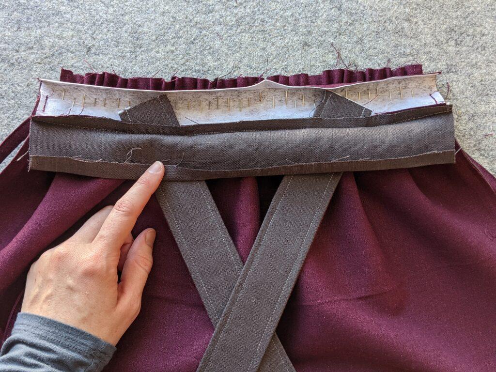 Tui Pinafore waistband to skirt