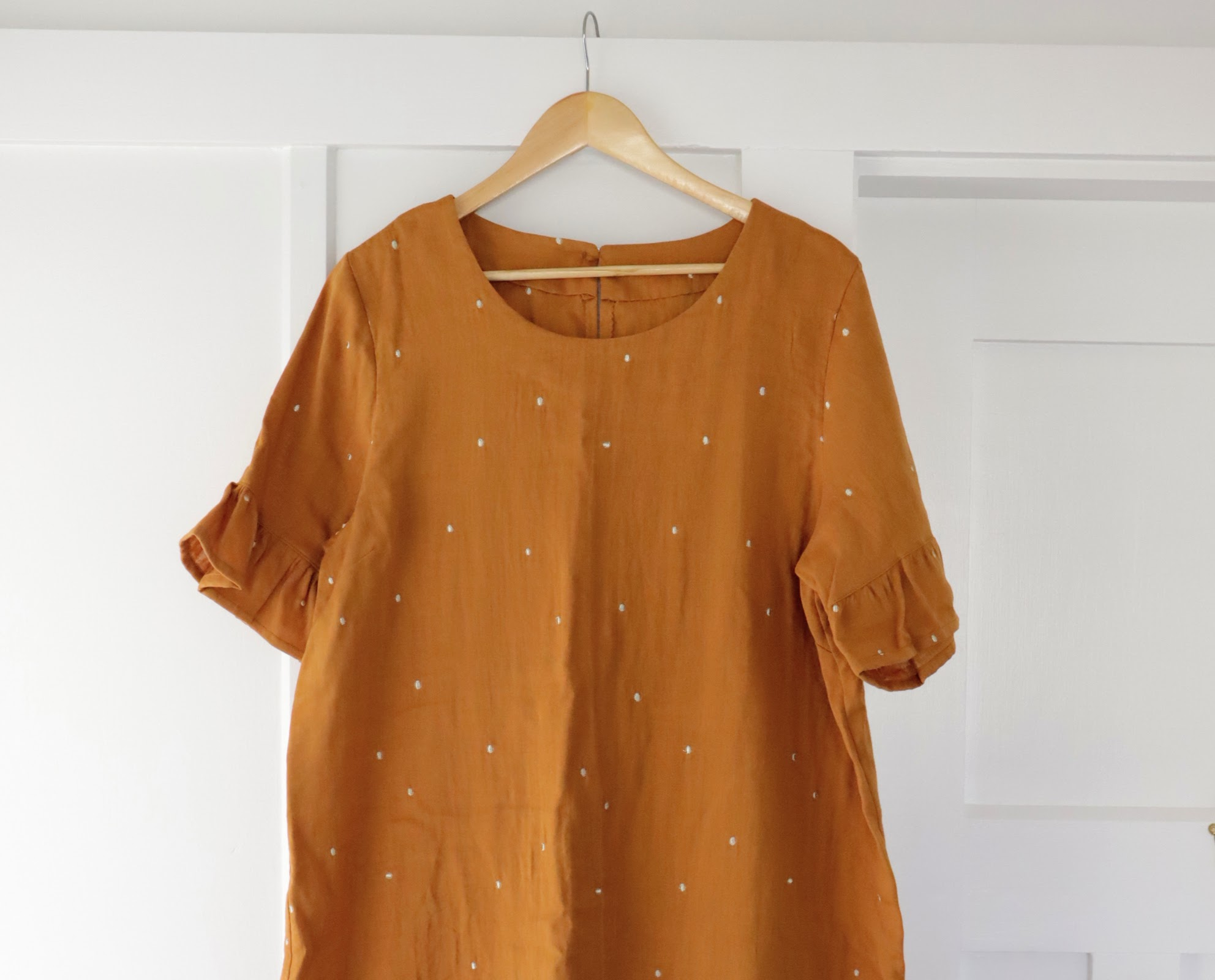 How to sew enclosed neckline facing